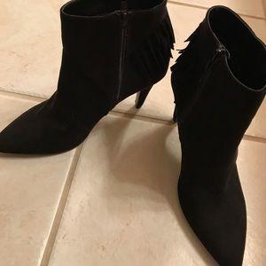 Women's Nine West black suede heels booties 7.5
